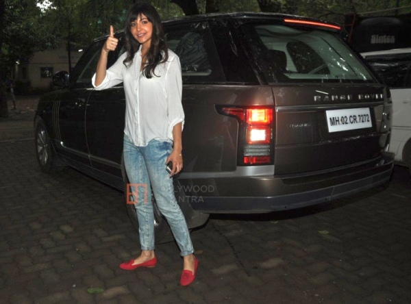 Anushka Sharma with her Range Rover Vogue Luxury SUV