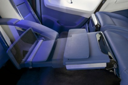 DC Design Toyota Fortuner Lounge 3