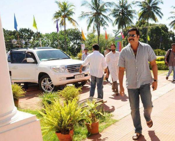 Mammootty with his Toyota Land Cruiser