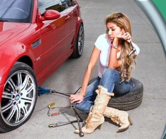 Woman tyre change