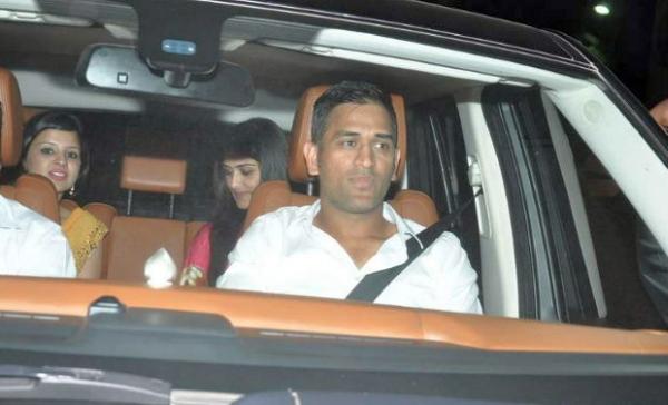 MS Dhoni in his SUV