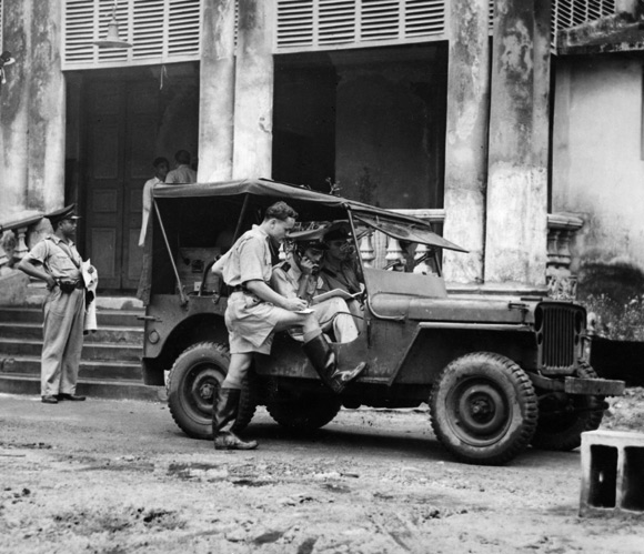 A Willy's Jeep in the India of 1940