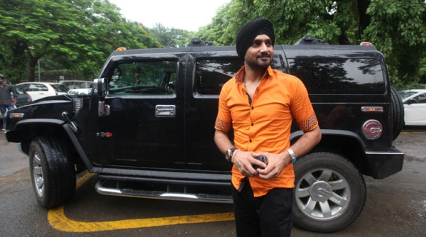 Harbhajan Singh with his Hummer H2