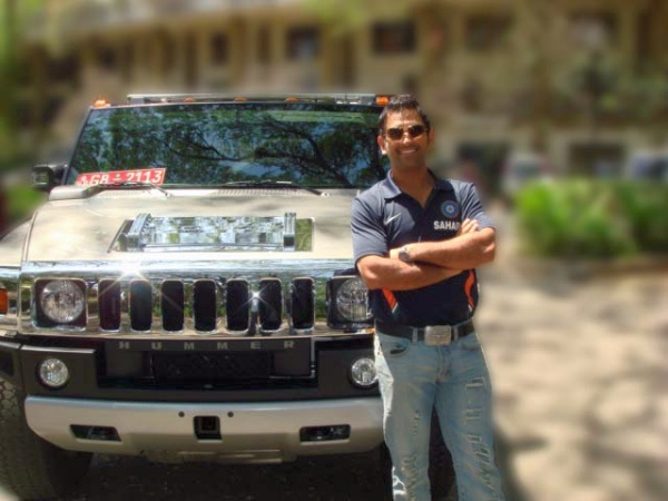 MS Dhoni's Hummer H2