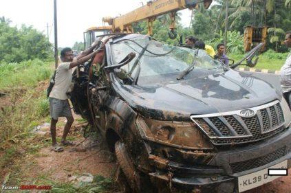 Mahindra XUV500 Airbags Crash 6