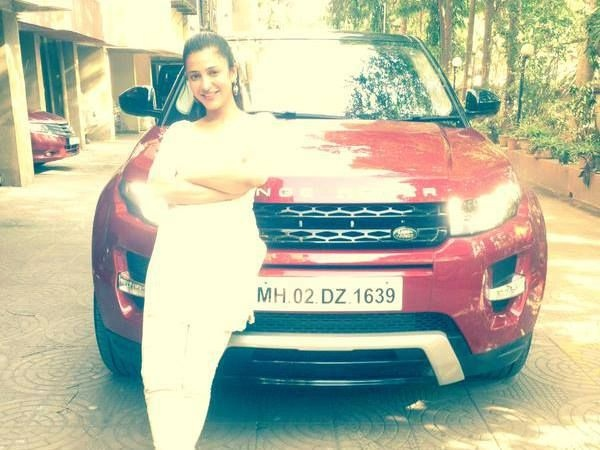 Shruti Hassan with her Range Rover Evoque