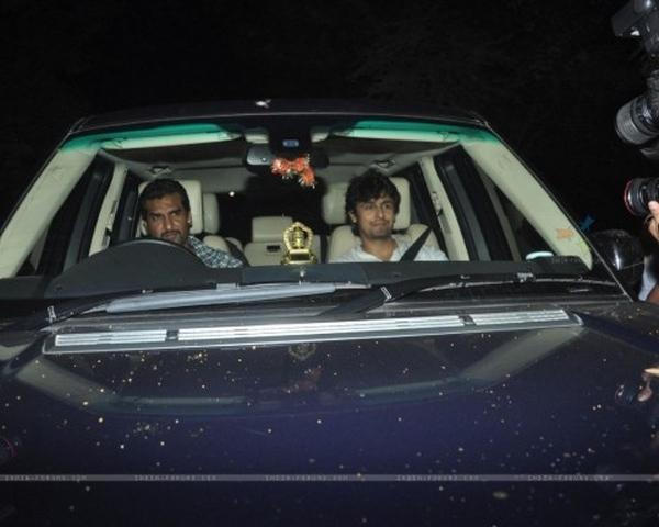 Sonu Nigam in his Range Rover Vogue
