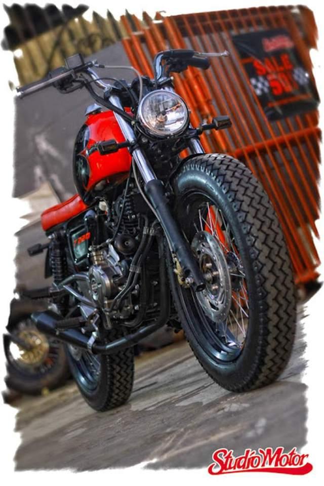 Studio Motor's Bajaj Pulsar 220 based bobber custom 1