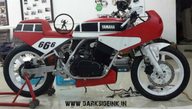 Yamaha RD350 Custom India Darkspawn