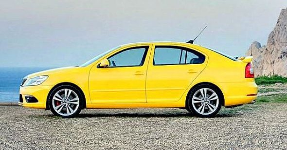 skoda-laura-rs-sideview-photo