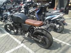 cbr250r-cafe-racer-bali-motoblast