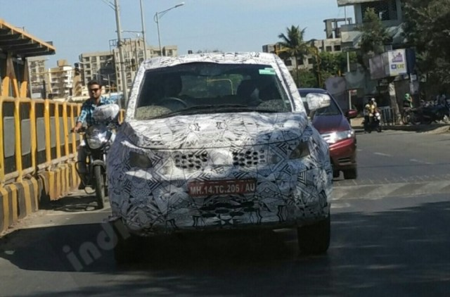 Production-spec-Tata-Hexa-front-spotted-in-Pune-1024x675