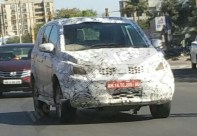 Production-spec-Tata-Hexa-front-three-quarter-spotted-in-Pune