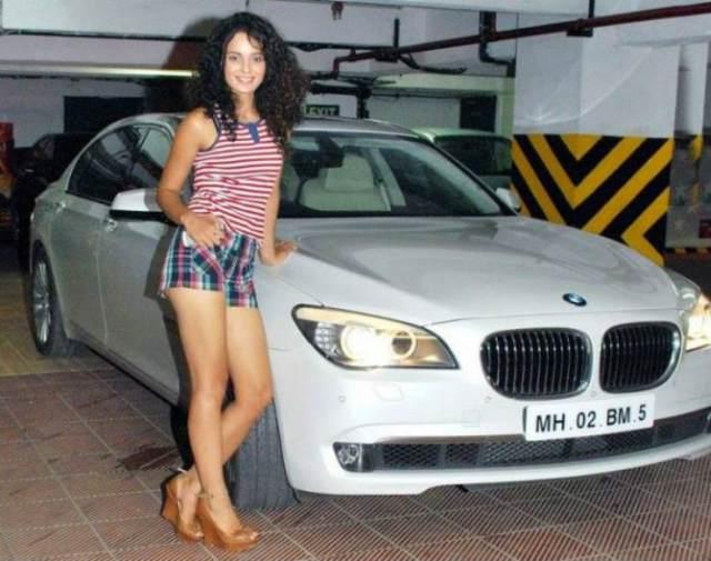 Kangana-Ranaut-with-her-BMW-7-Series-Luxury-Saloon