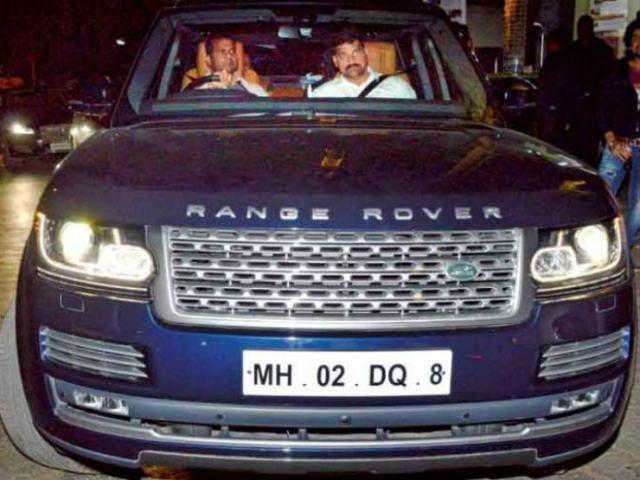 ranbir-kapoor-range-rover-zigwheels-m5_720x540