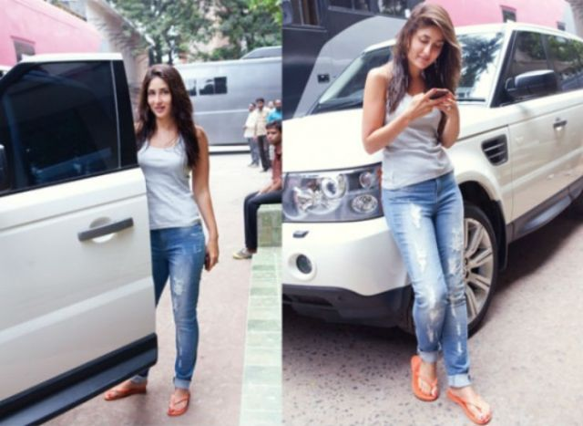 Kareena-Kapoor-with-her-Land-Rover-Vogue