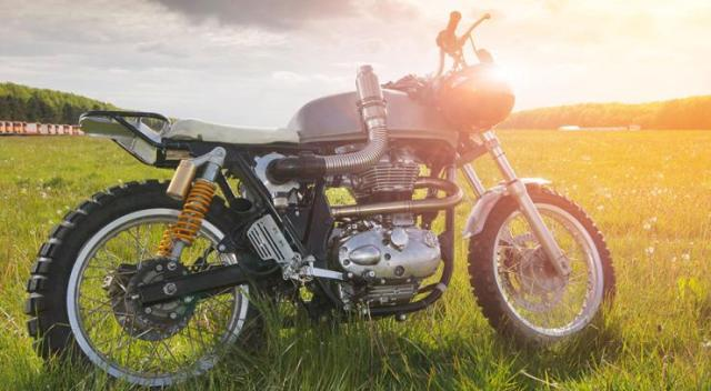 Royal Enfield Dirty Duck Custom 1