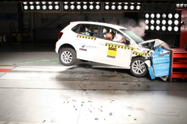 Volkswagen-Polo-2-airbags