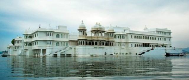 lake-palace-udaipur3_510x340