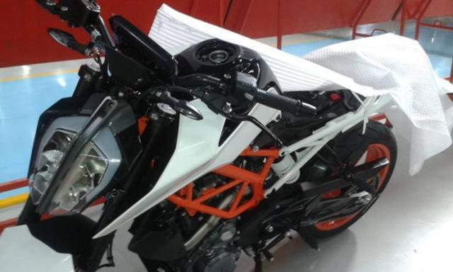 Next-Gen KTM Duke 390 Spyshot