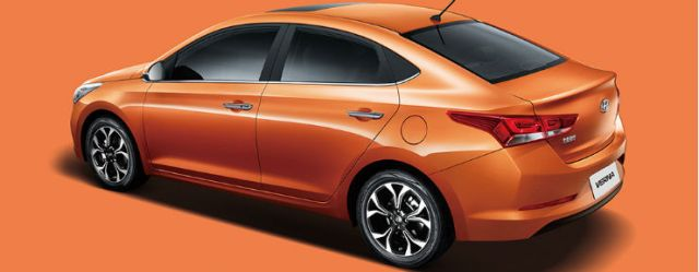 Chinese-spec-2017-Hyundai-Verna-rear-three-quarters