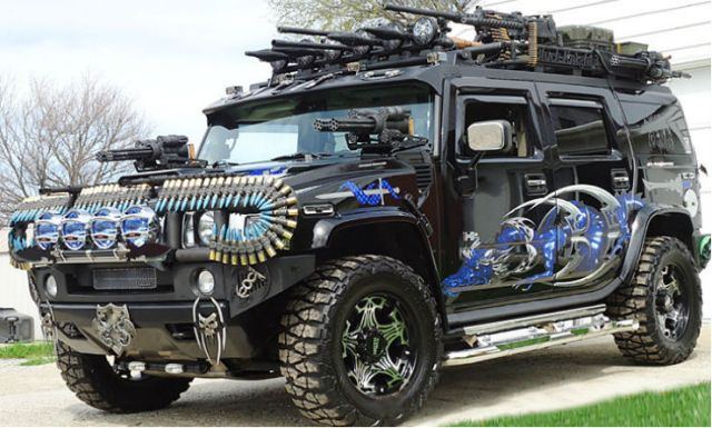 Hummer-H2-Black-Knight-729x486-d2cdc22497f727ec