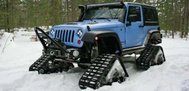 daystar-jeep-jk-with-tracks