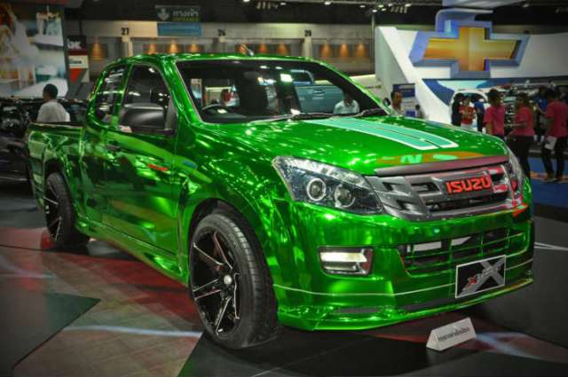 isuzu paint