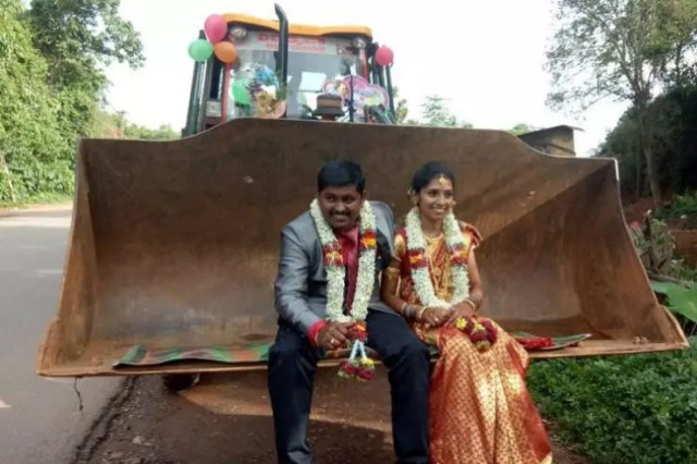 Newly Married Couple Use A Jcb Bulldozer As Their Wedding Car Video