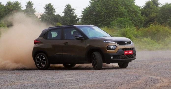 टाटा पंच 1.2 पेट्रोल माइलेज टेस्ट में 27 किमी/लीटर बचाता है