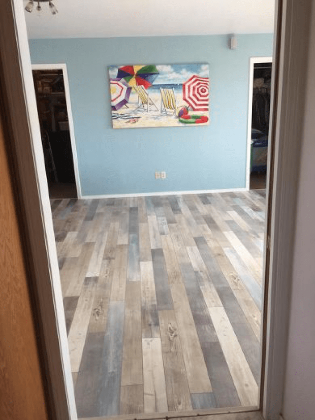 Armstrong Seaside Pine flooring with Salt Air coloring