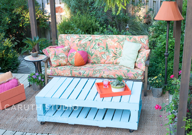 Furnished deck with pallet table
