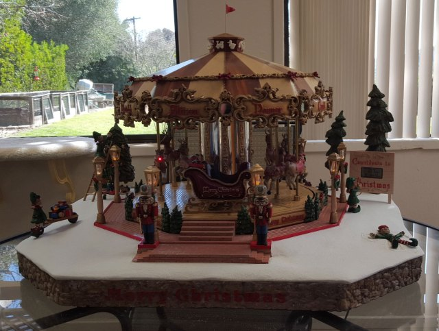 CarveWright Chistmas Carousel