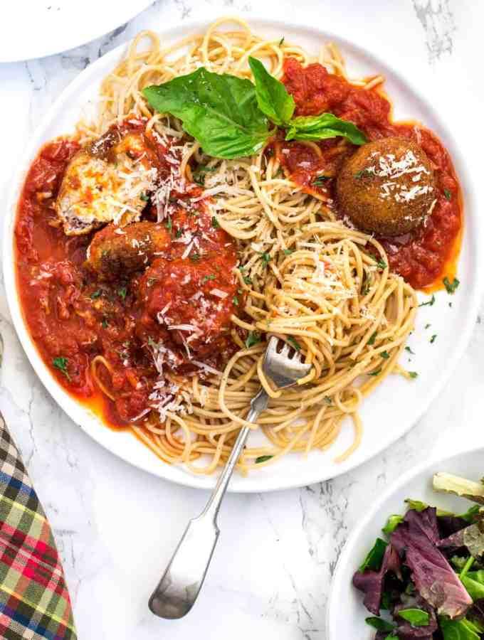 Meatless cheese balls with Whole Grain Spaghetti Aglio e Olio