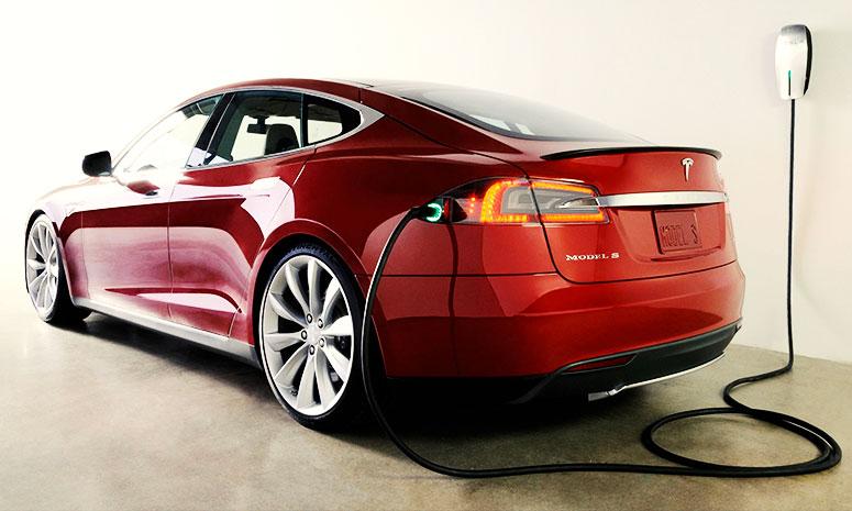 https://i2.wp.com/www.carvisionnews.com/wp-content/uploads/2014/09/cvr-02-27-14-tesla-model-s-is-tops-but-electric-future-still-dim.jpg?fit=775%2C465&ssl=1