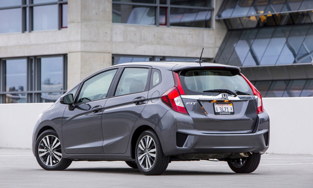 https://i2.wp.com/www.carvisionnews.com/wp-content/uploads/2015/01/cvr-12-29-14-the-new-honda-fit-is-a-fun-to-drive-hit.jpg?fit=1048%2C629&ssl=1
