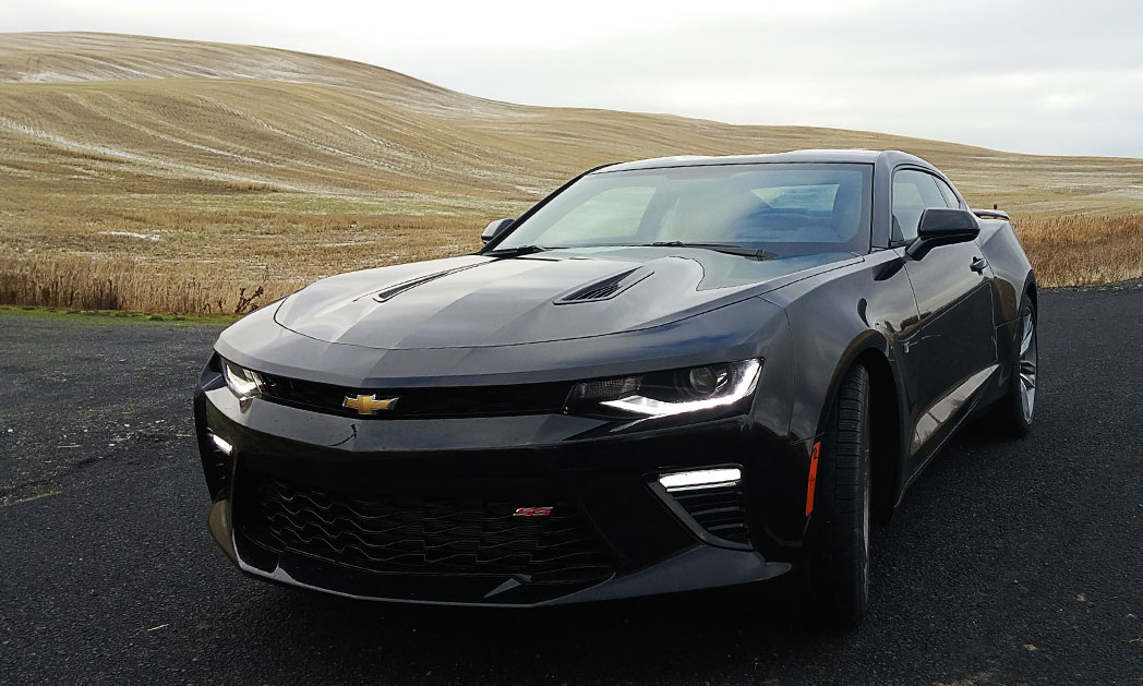 https://i2.wp.com/www.carvisionnews.com/wp-content/uploads/2015/11/cvr-11-13-15-the-newest-camaro-finds-its-sporty-roots.jpg?fit=1048%2C629&ssl=1
