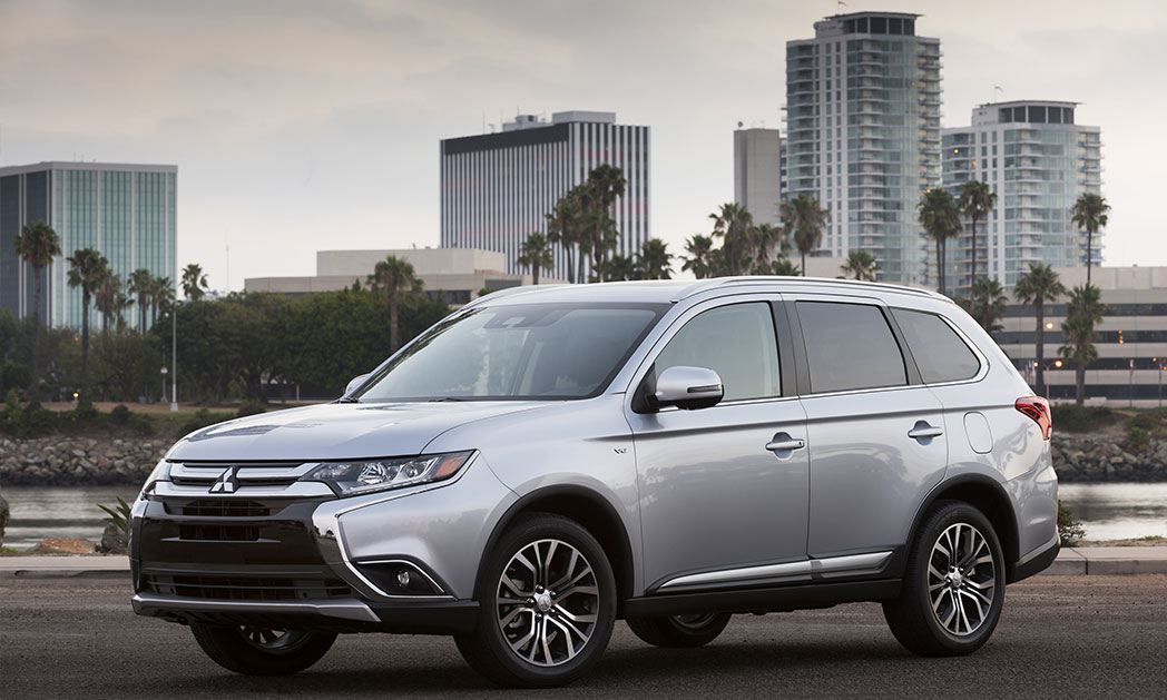 https://i2.wp.com/www.carvisionnews.com/wp-content/uploads/2016/08/cvr-08-26-16-mid-sized-mitsubishi-outlander-gt-delivers-big-in-a-mid-sized-package.jpg?fit=1048%2C629&ssl=1