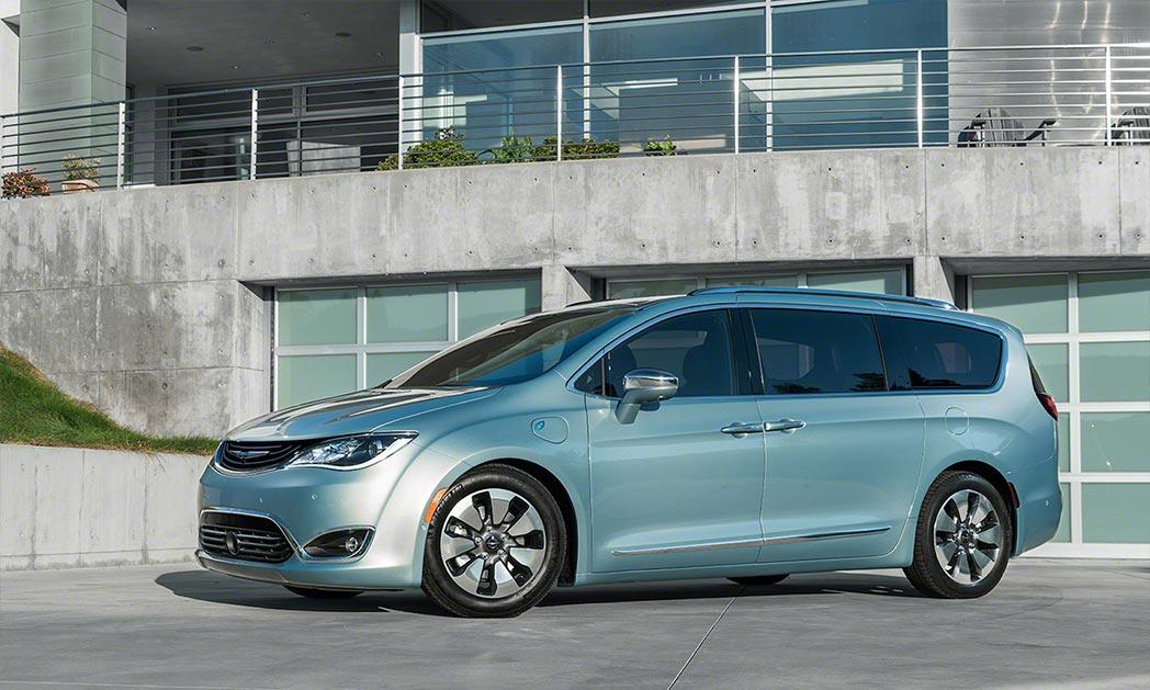 https://i2.wp.com/www.carvisionnews.com/wp-content/uploads/2016/11/cvr-11-18-16-new-chrysler-pacifica-mini-van-takes-the-lead-in-mainstreaming-electrified-vehicles.jpg?fit=1048%2C629&ssl=1