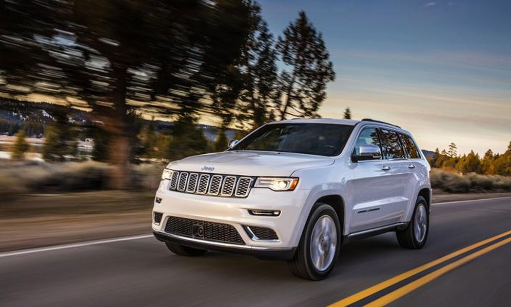 https://i2.wp.com/www.carvisionnews.com/wp-content/uploads/2017/05/cvr-jeep-cherokee-summit-goes-nose-to-nose-with-premium-competitors.jpg?fit=1048%2C629