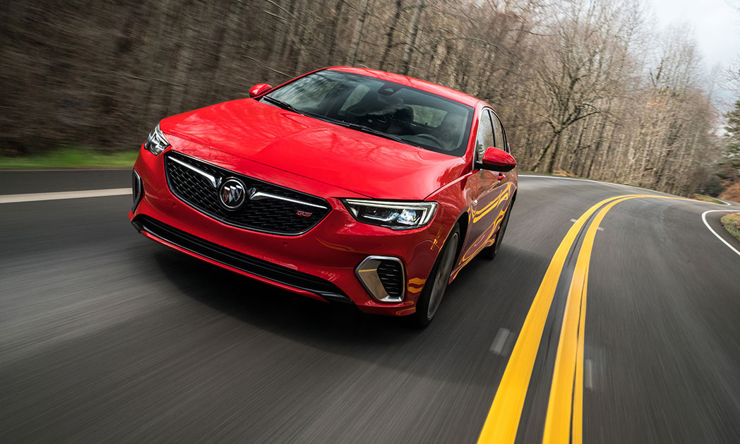 https://i2.wp.com/www.carvisionnews.com/wp-content/uploads/2018/08/2018-buick-regal-gs.jpg?fit=1048%2C629&ssl=1