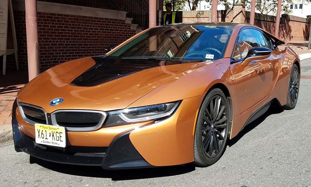 https://i2.wp.com/www.carvisionnews.com/wp-content/uploads/2018/11/2019-bmw-i8-cvr.jpg?fit=1048%2C629