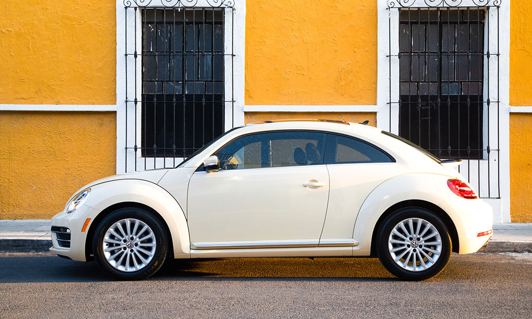 https://i2.wp.com/www.carvisionnews.com/wp-content/uploads/2019/02/2019-vw-beetle-final-edition.jpg?fit=1048%2C629&ssl=1