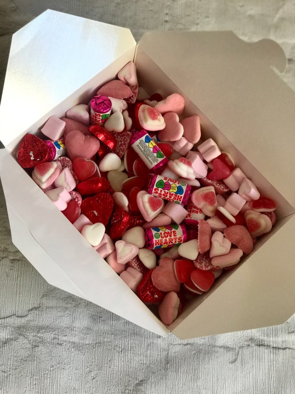 Pink & White Sweet Box