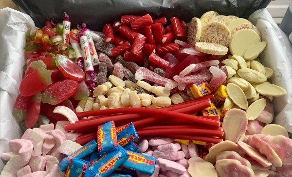 Carway's Candy Super Sharing Box
