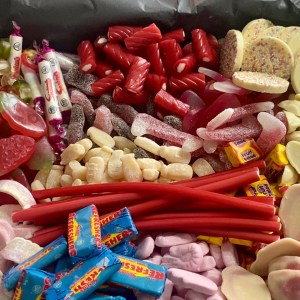Carway's Candy Super Sharing Box (4kg)
