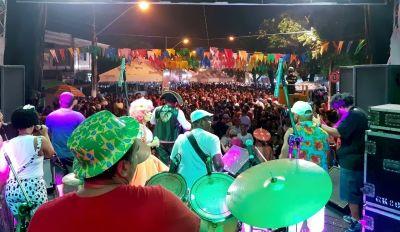 CASACA DE COURO NO RASGADINHO 2018