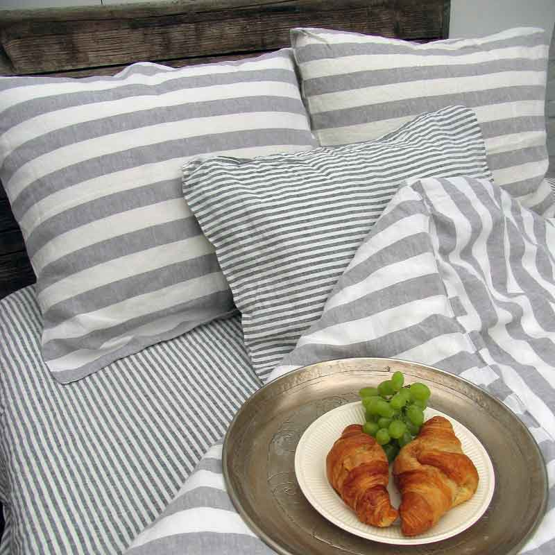 Lichtgrijs-wit breed gestreept linnen dekbedovertrek Dove Grey - Casa Homefashion