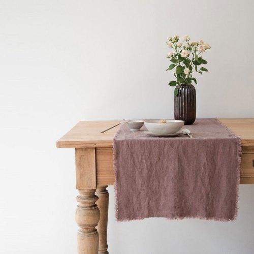 Linen table runner Ashes of Roses - Casa Comodo