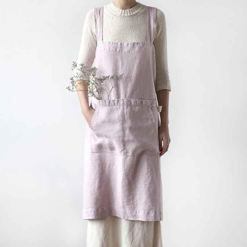 Roze linnen pinafore schort - omslagschort - merk Linen Tales - online te koop bij Casa Comodo